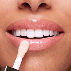White Lip Comfort Oil result on lips